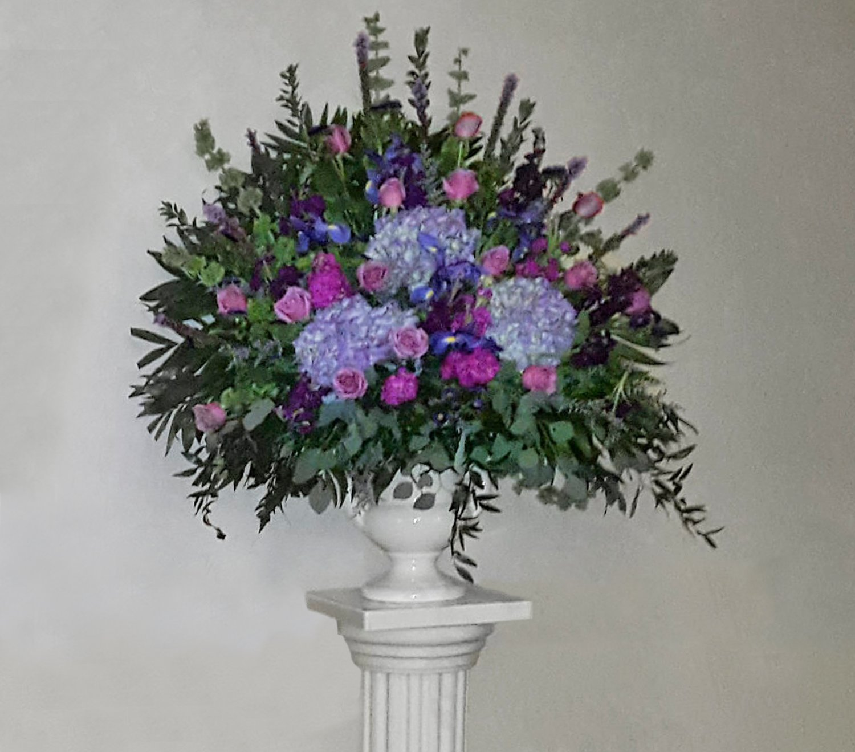 Funeral flower arrangements to honor loved ones lofendo flowers purpleblue flower mix end vase izmirmasajfo