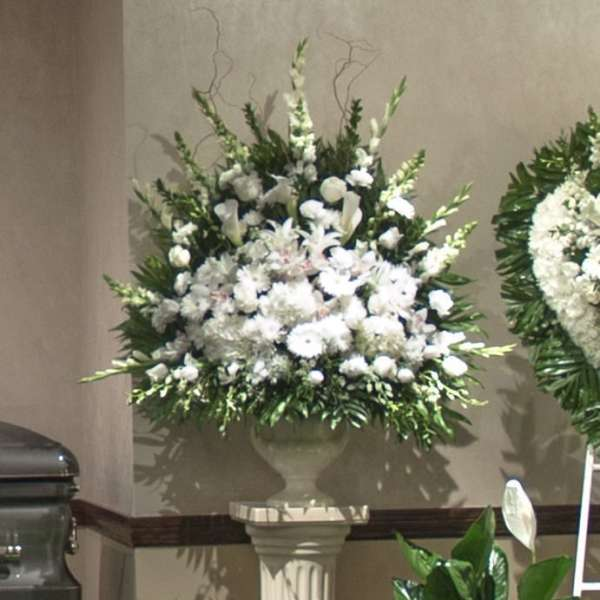 White Flower Mix End Vase